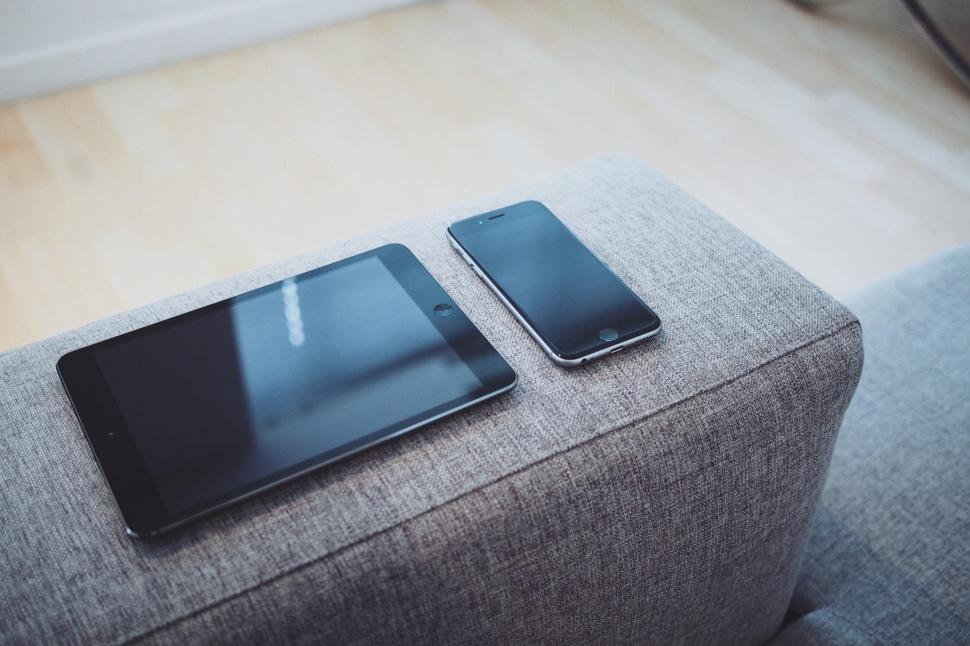 iPhoneに比べたらケース類が少ないのがネック