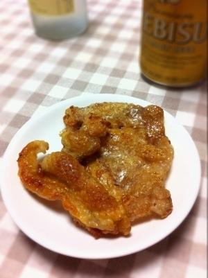 おつまみに☆鶏皮のパリパリ