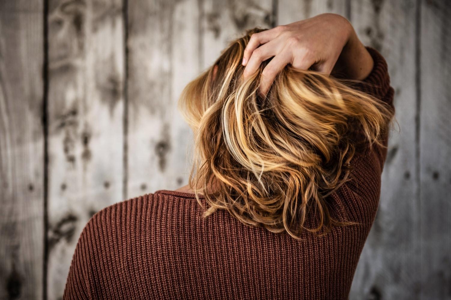 伸ばしかけ期間のミディアムヘア