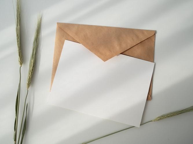 思いのこもった手紙を添えて