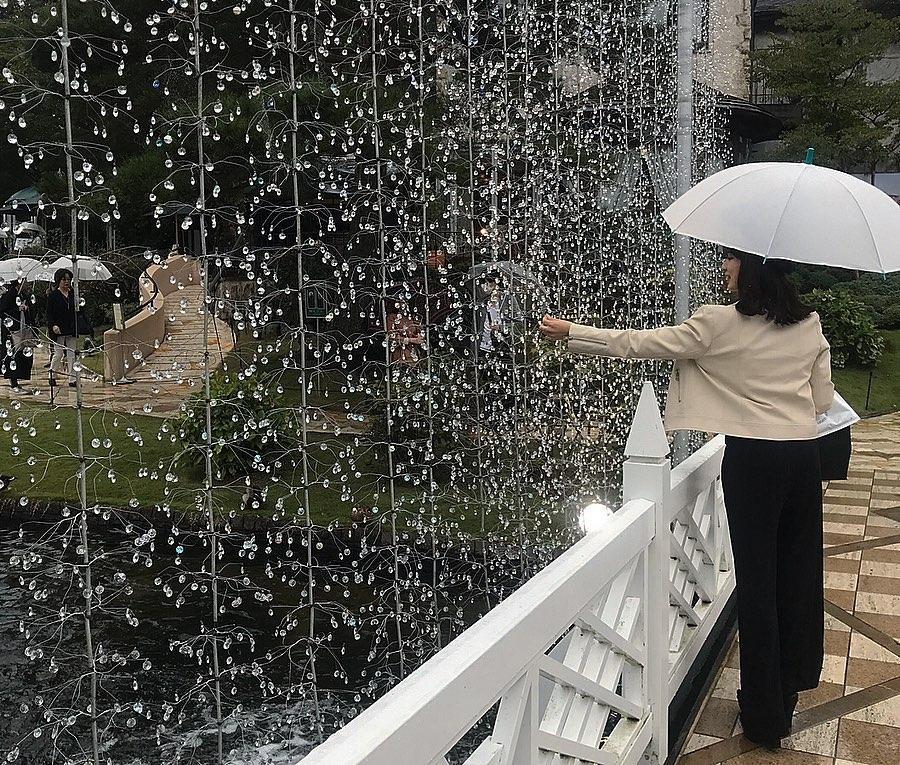 煌びやかな『箱根ガラスの森美術館』にも