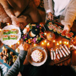 今年は友人とお家でクリスマスパーティーをするの。その前に準備することってなあに