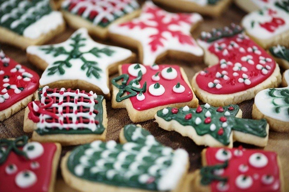 意外と知らないクリスマスのお菓子のあれこれ。レシピと一緒にのぞいてみよう!