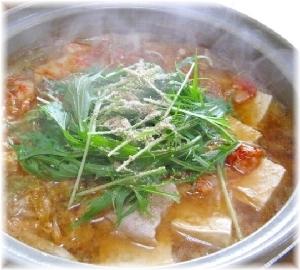 豚バラ肉とごぼうと豆腐のキムチ鍋