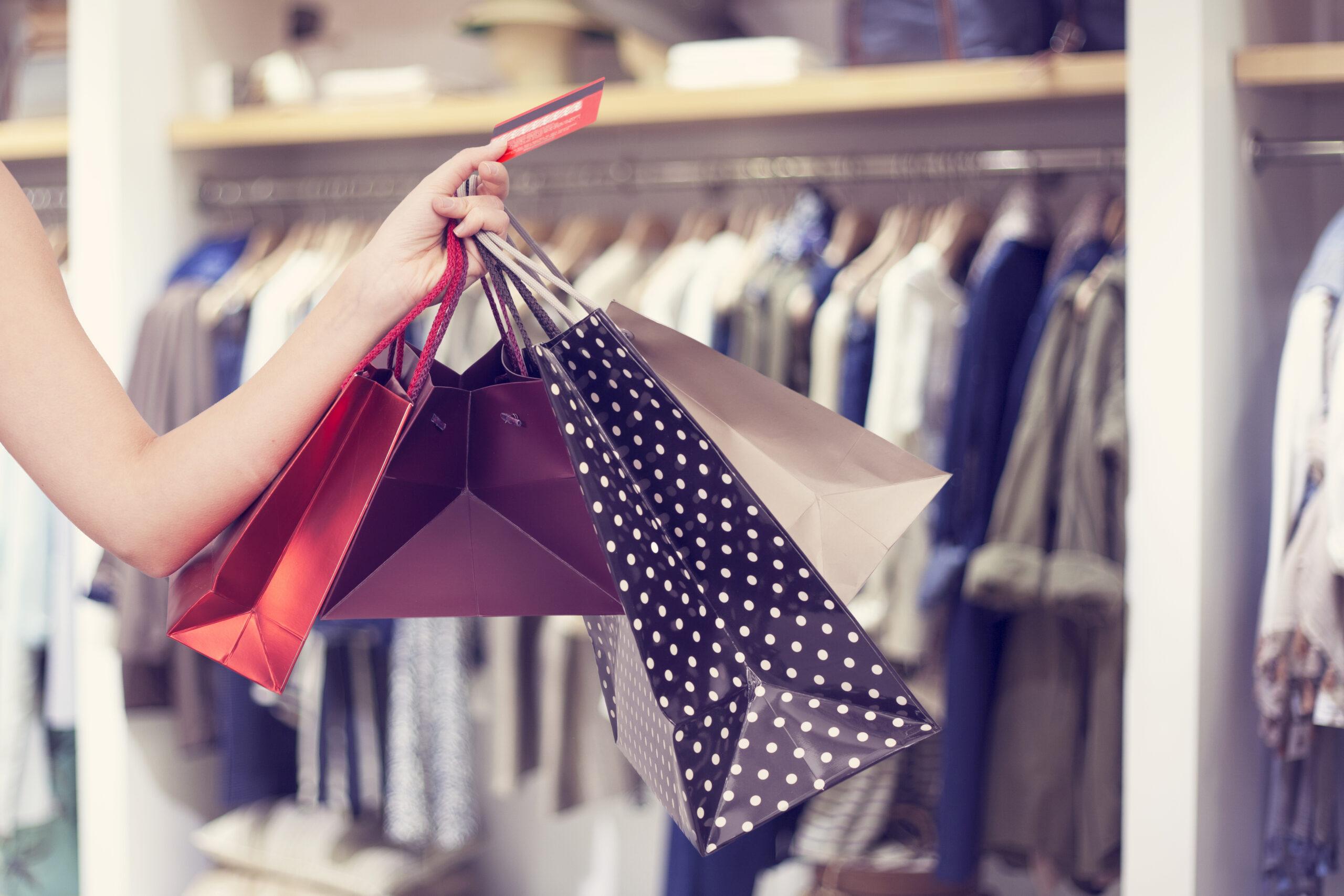 お買い物は便利なクレジットカード派