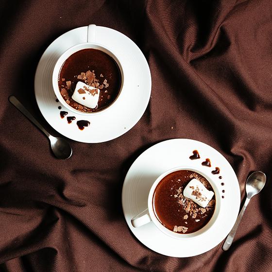 ホットチョコレートで心までホッと満たされて