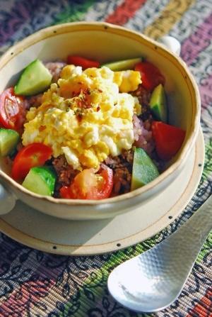 【1ボウル♪】卵と野菜のっけ朝ごはん。