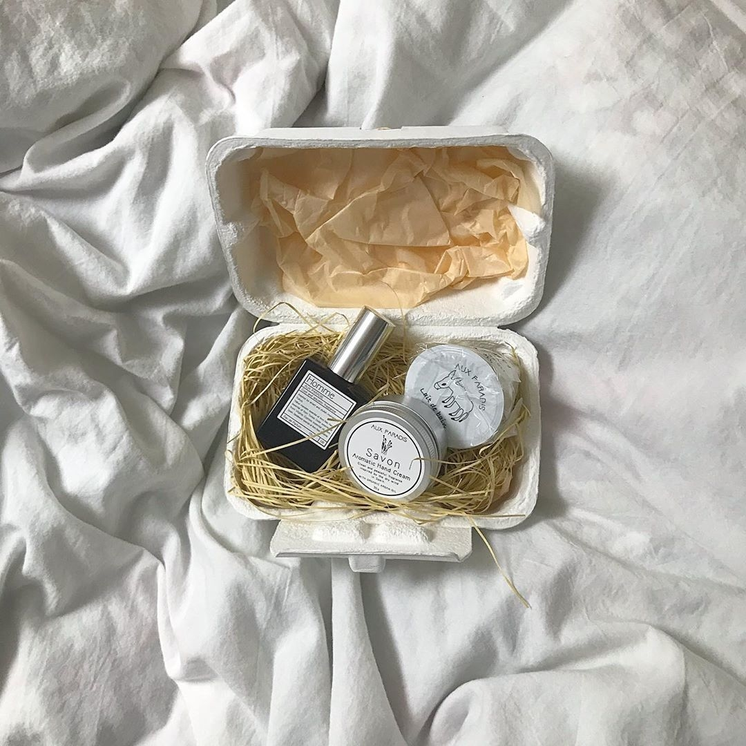 持ち運びにも便利なハンドクリーム