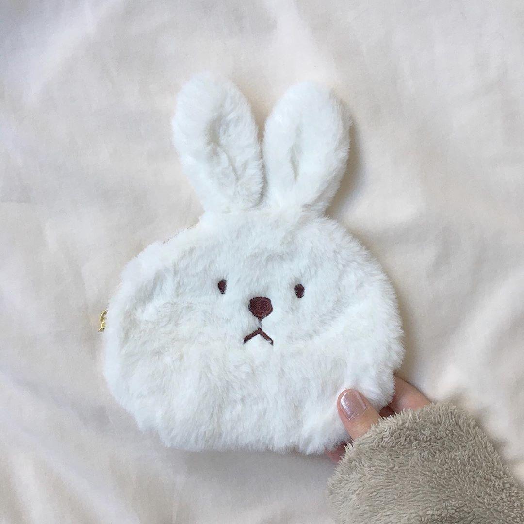 ウサギ好きにはたまらないふわふわポーチ