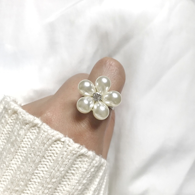 ぷっくりパールお花のリング