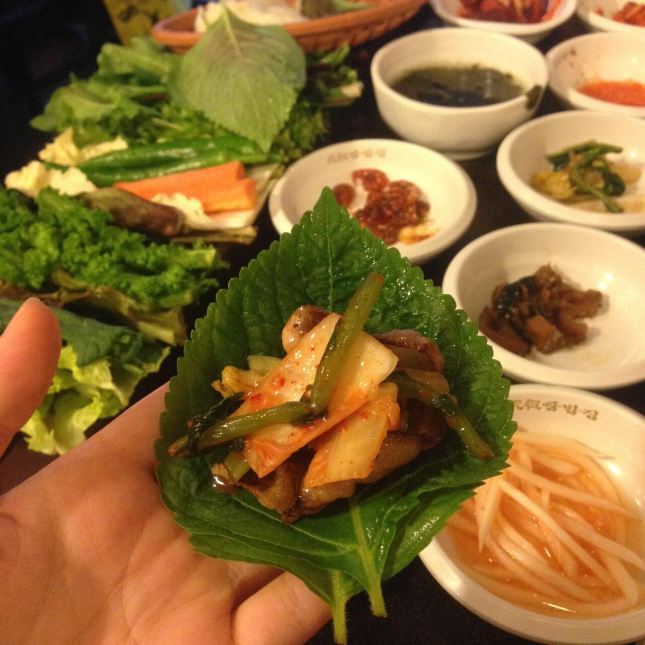 韓国旅行の一番の楽しみは、焼肉!?本場のサムギョプサルを楽しむためのあれこれ