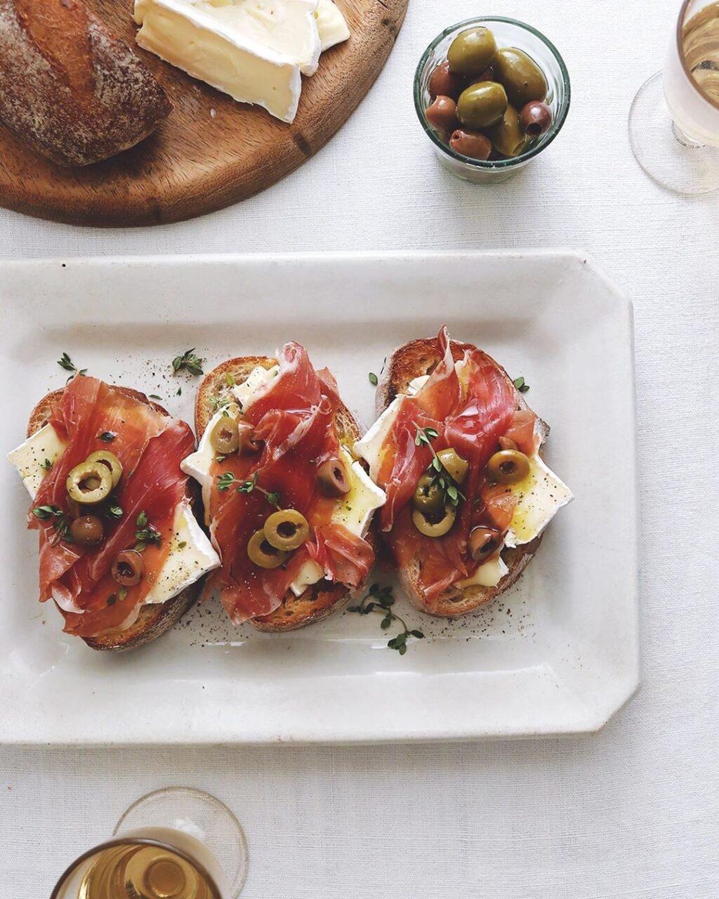 盛り付けるだけで簡単豪華!タルティーヌを食べたくなる4ジャンルのレシピ