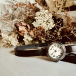 腕時計はシンプルになればなるほど大人っぽい。洗練された一本を身につけてみて