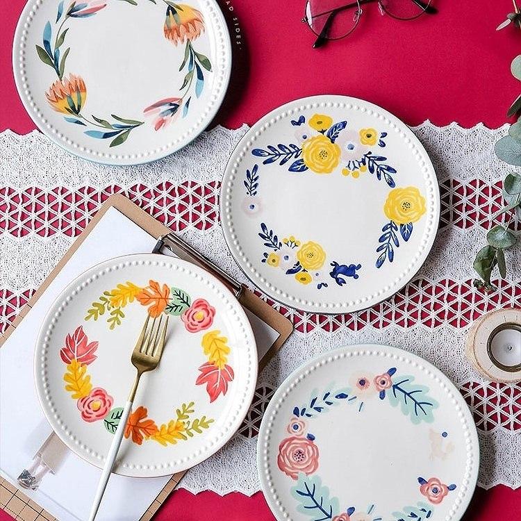 友達にステキなお皿のプレゼント。お料理が楽しくなる、個性豊かなdish図鑑