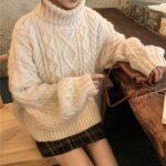 ミニスカートは「冬」に穿きたい。寒い日のボリューム感にぴったりの着こなしを