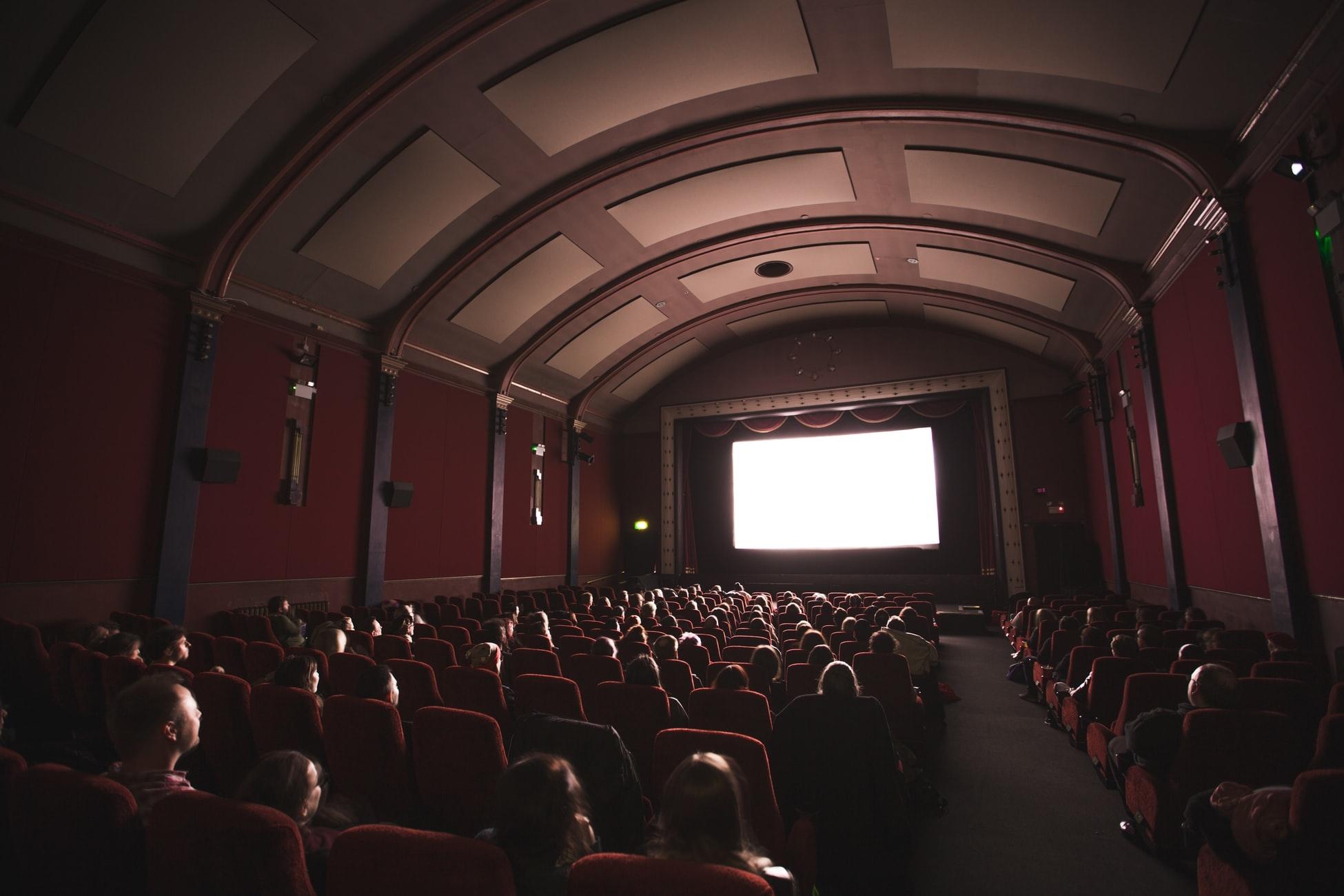 1. リラックスして楽しめる「映画館」