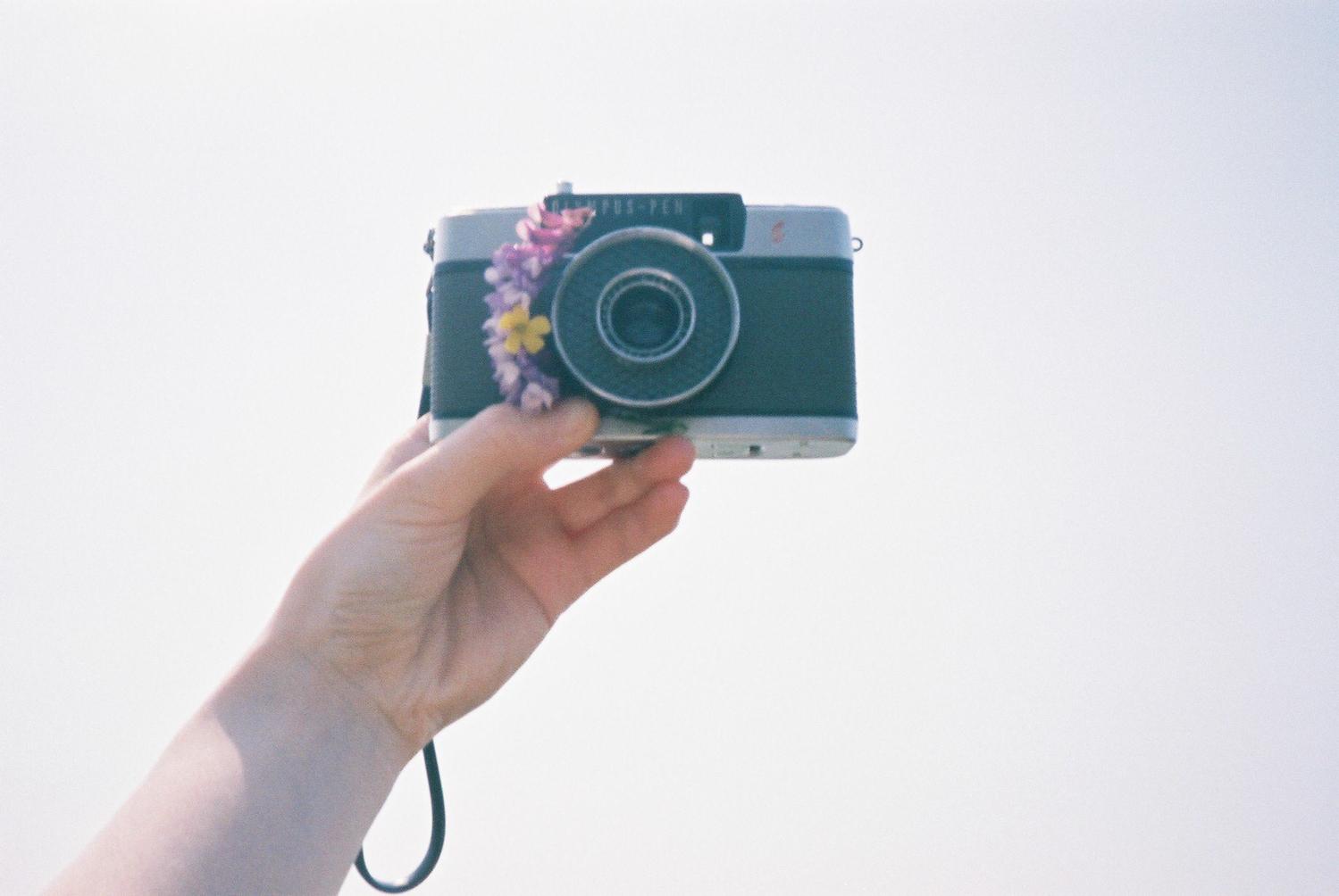 ハーフサイズカメラで幸せ2倍に