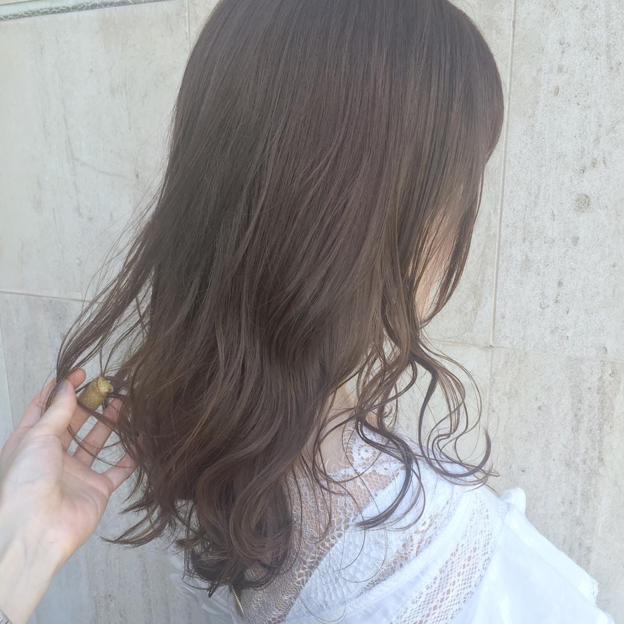 儚げ美少女:ベージュ系