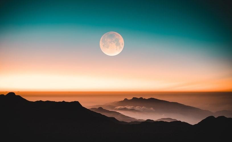 恋人と月を見る夢