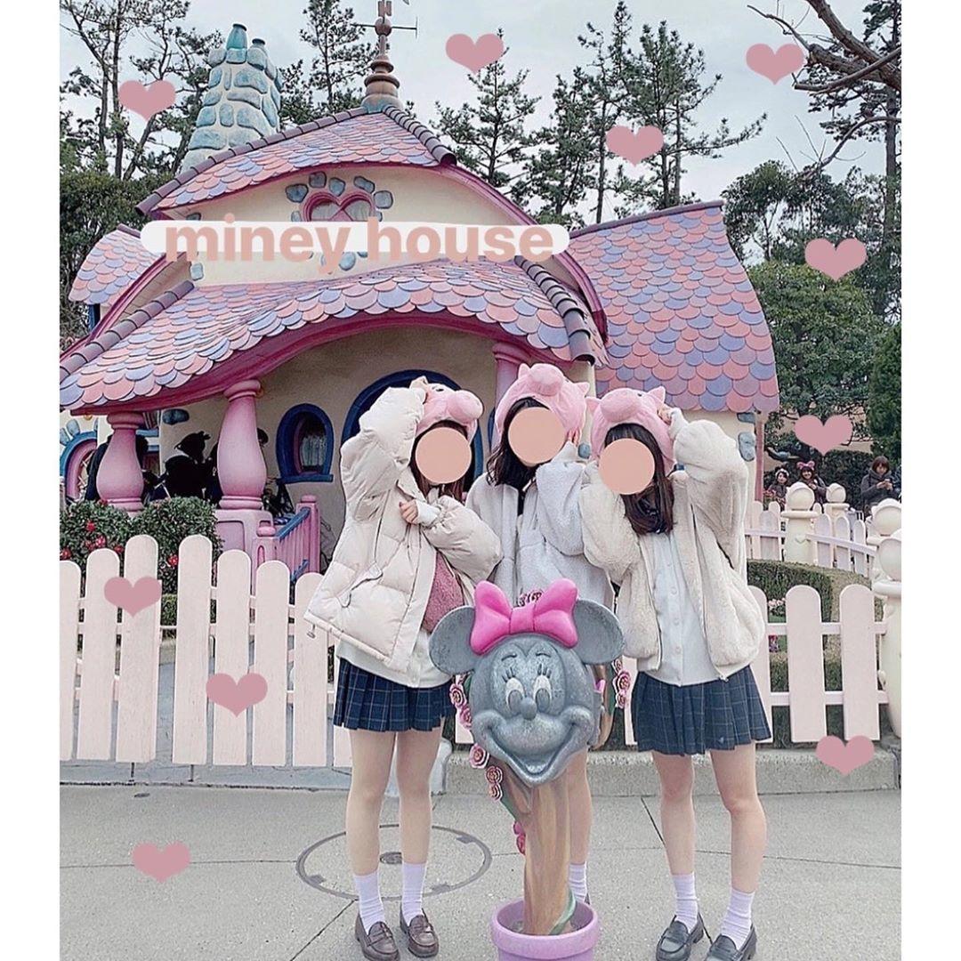 ミニーの家×制服=映え写マジック♡
