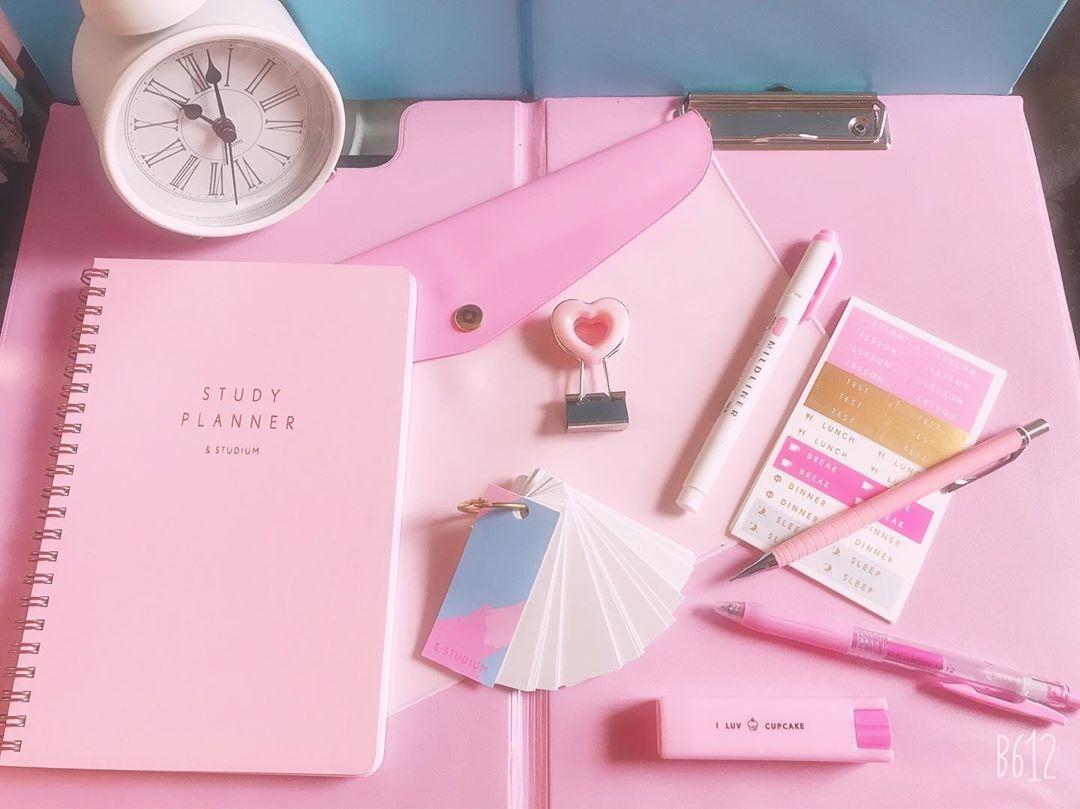 勉強グッズも、ピンクで揃えて人気者に