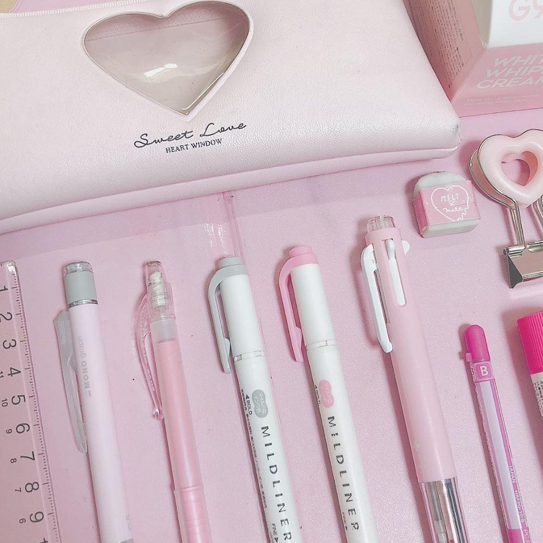 2:ペンや小物もメルヘンに仕上げたい♡