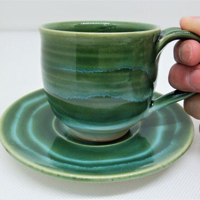 エメラルドグリーンのコーヒーカップ