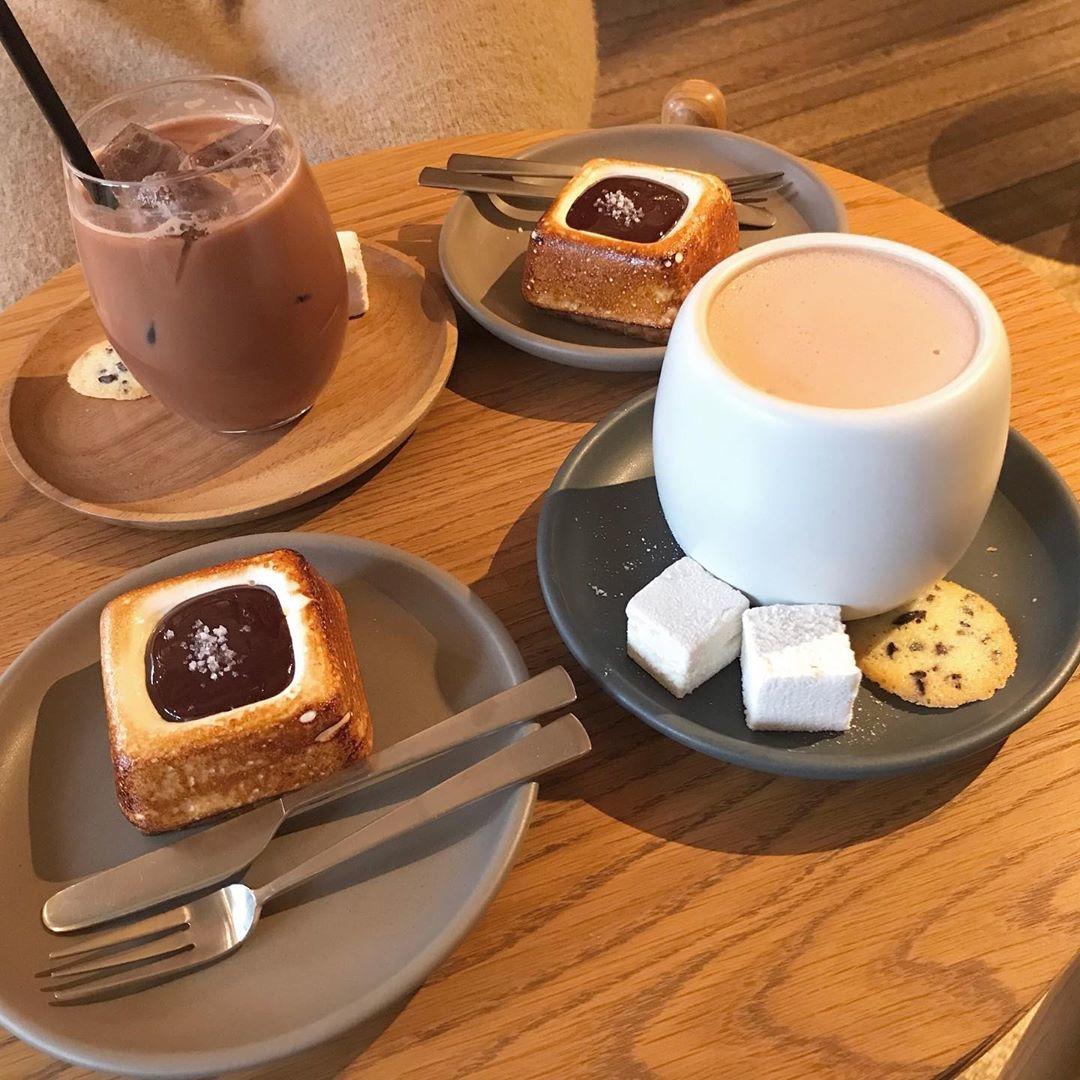 寒い冬はホットチョコレートの魔法にかけられて。簡単レシピとおすすめカフェLIST
