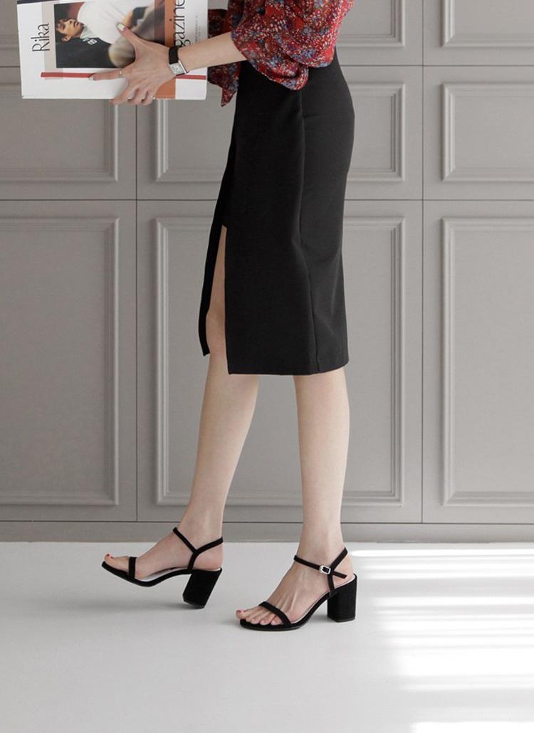 膝を曲げて歩くのはダサくて残念かも。モデルみたいなヒールの正しい歩き方&コツ