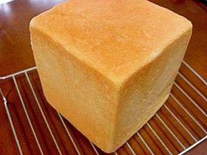 食パン*小麦粉