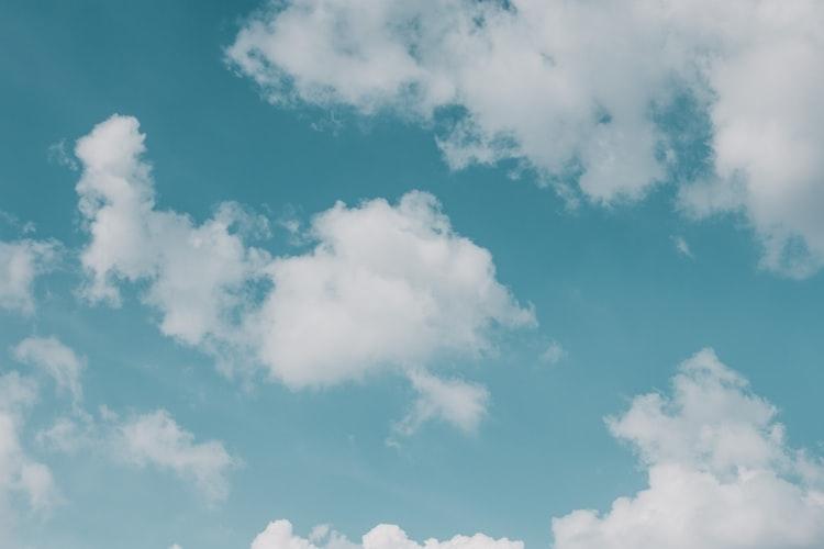 空の下で贅沢な時間を過ごして