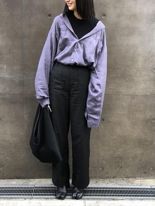 オールブラック、紫を差し色に