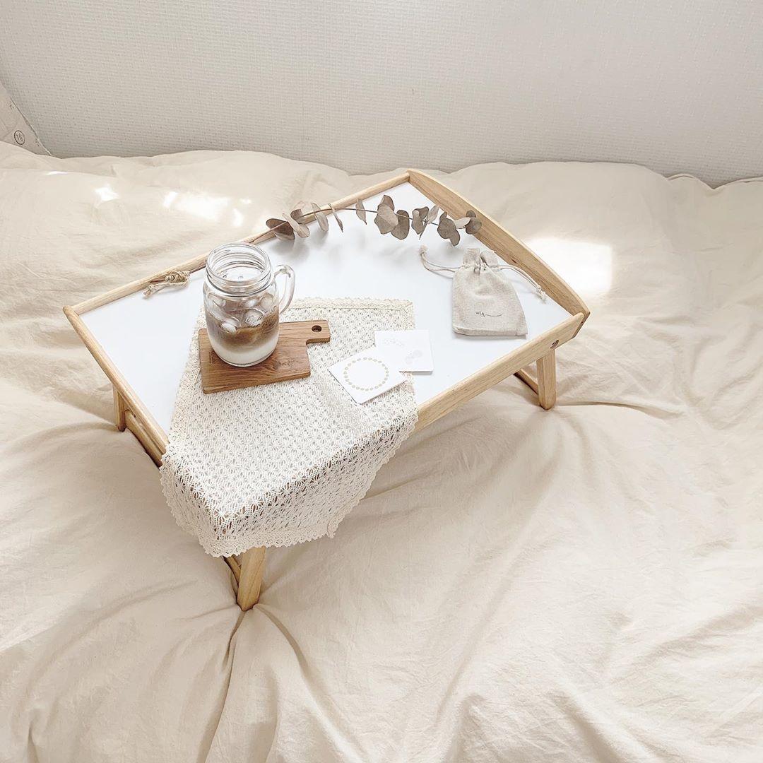 10:30__ブランチはベッドの上で