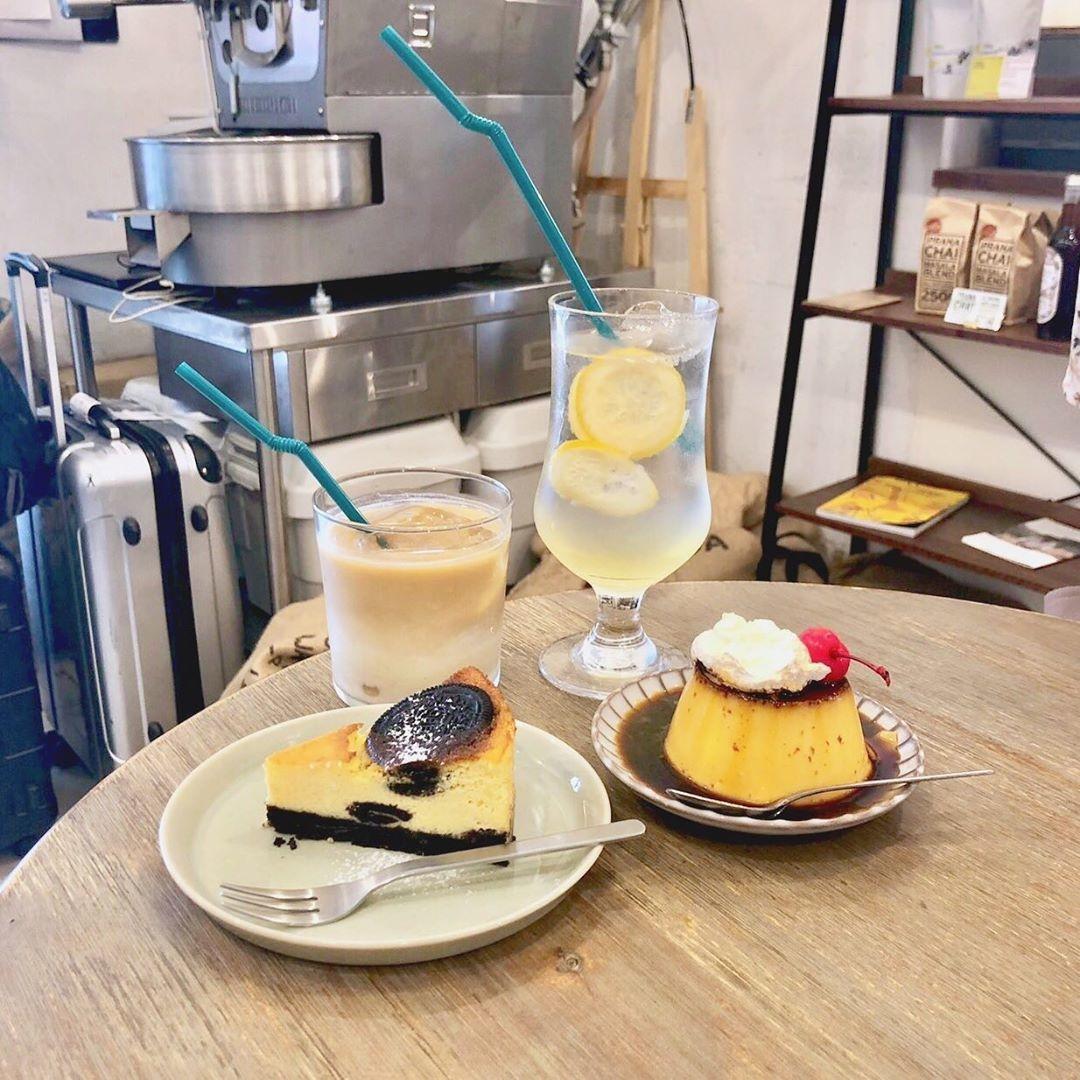 見た目も中身も合格点なレモンケーキ:4/4 SEASONS COFFEE: