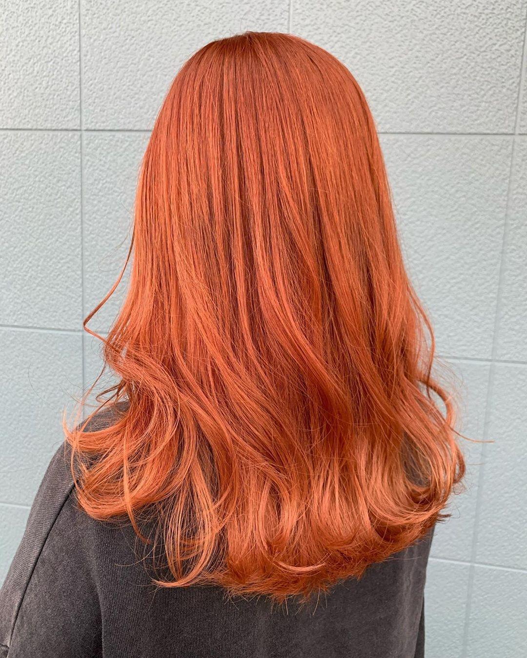 パキッとしたオレンジカラー