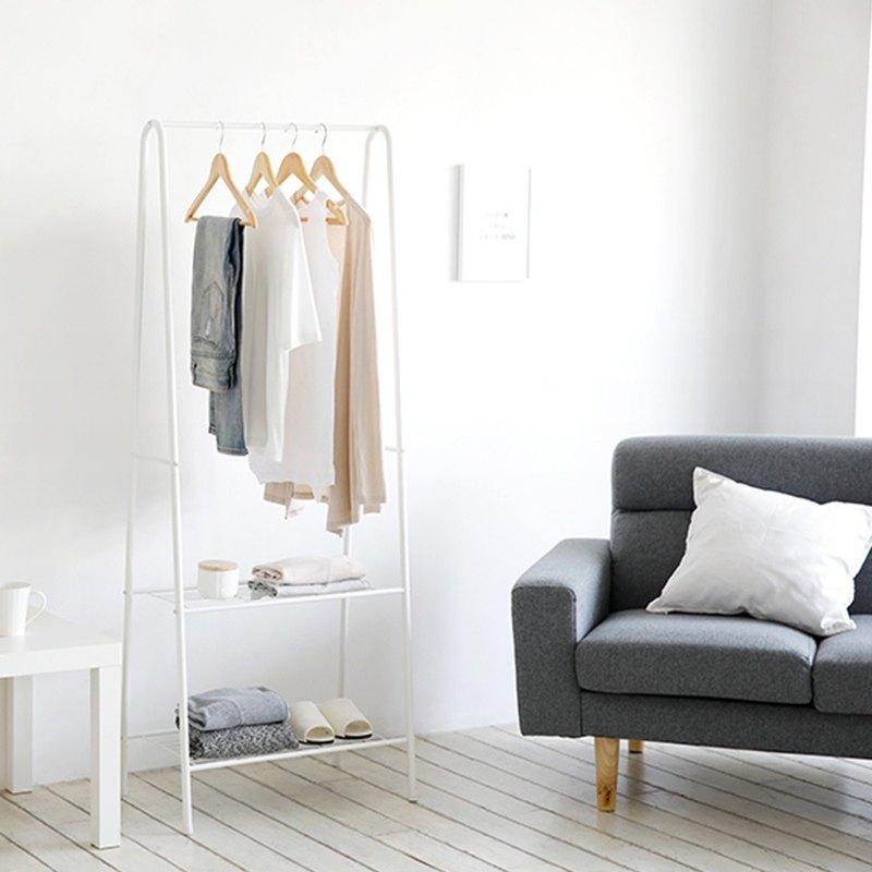 Melson storage hanger