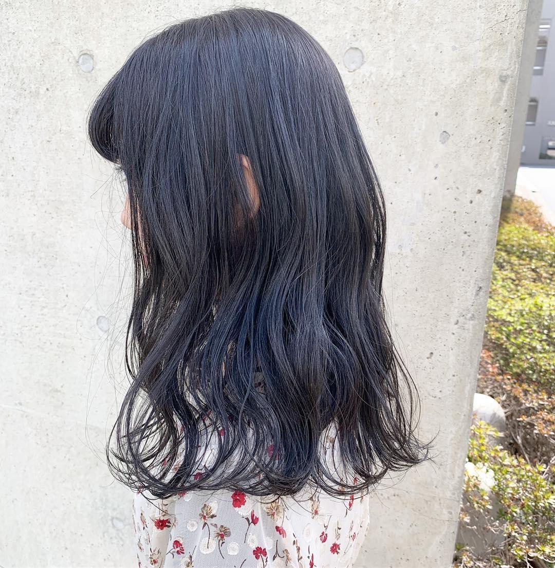 透明感爆発カラー、降臨♡マーメイドアッシュでツヤ髪へ・ブリーチ有無別にご紹介