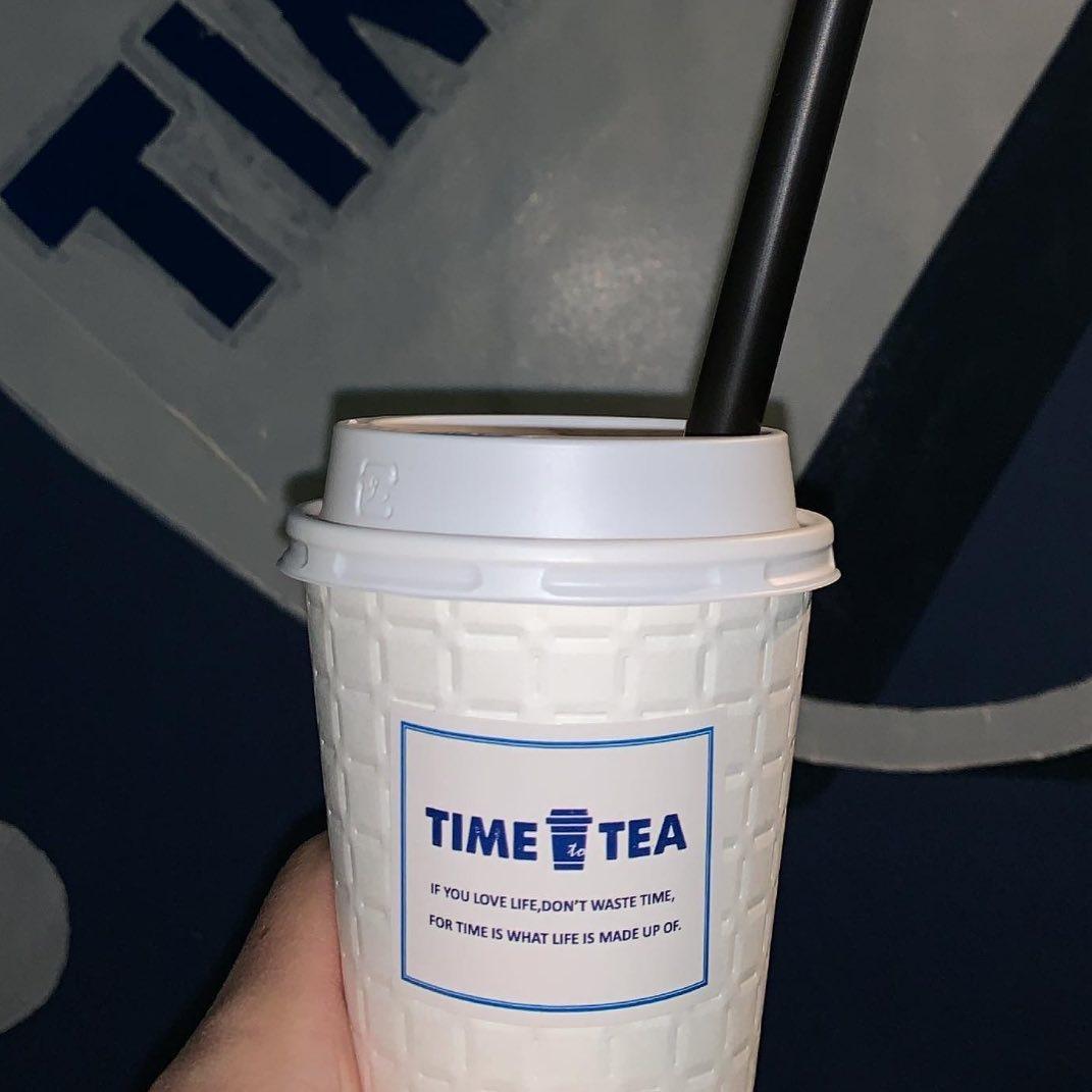 お茶を嗜む時間は至福のとき。ティースタンド・お茶専門店は欠かせない存在に