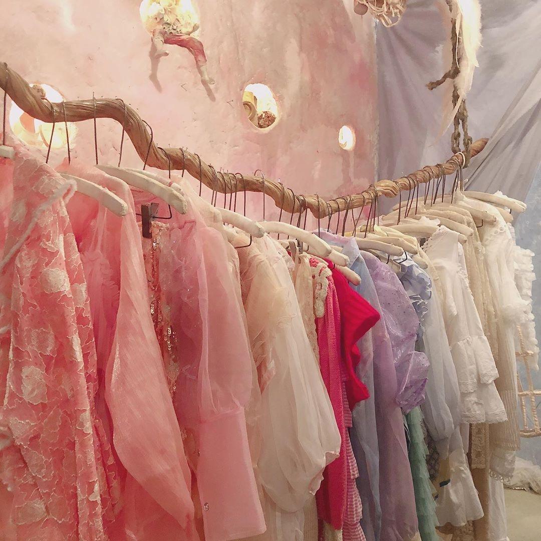 あの頃憧れた、お姫様のような一着を。ヴィンテージガーリーに出合える5つの古着屋
