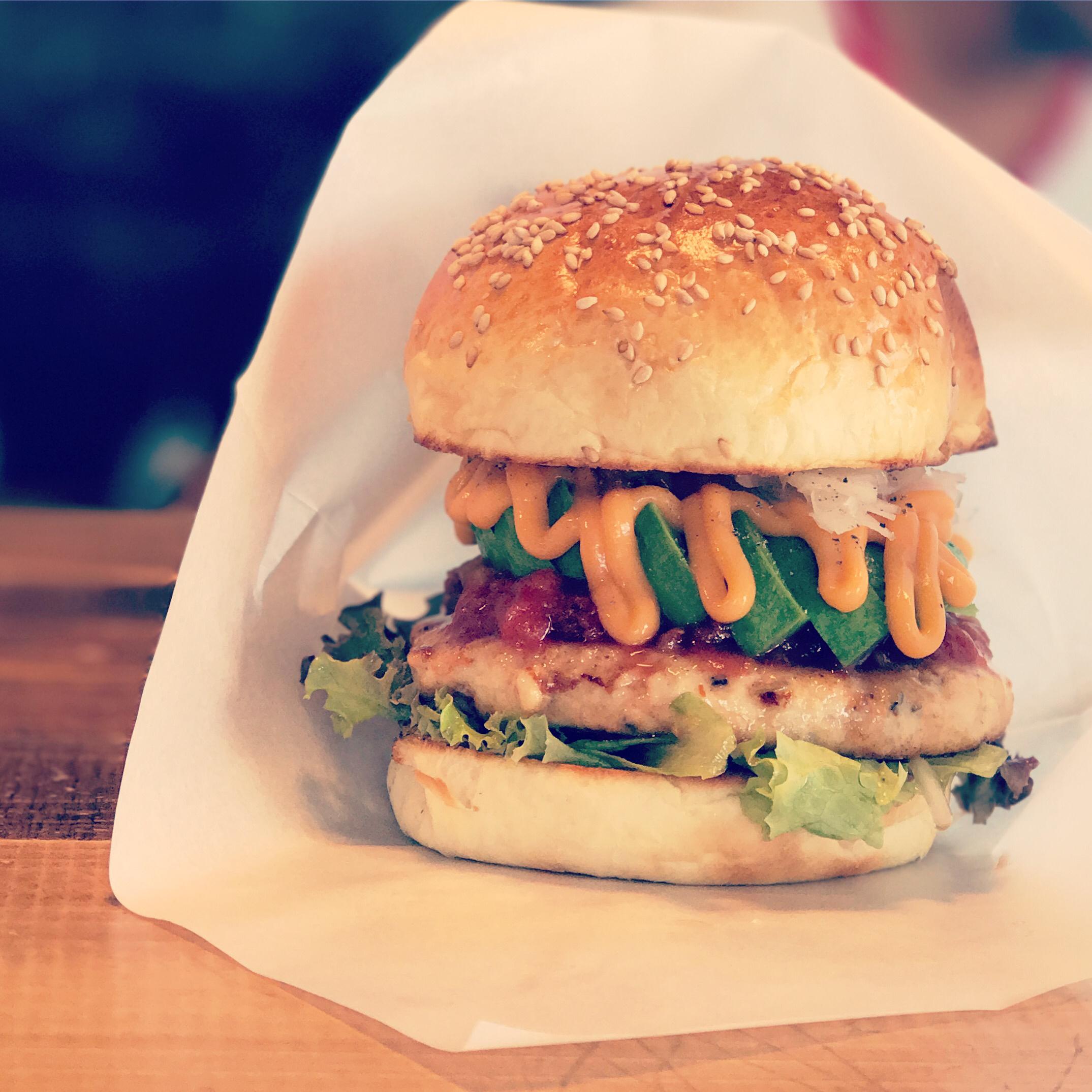 厚みのあるハンバーガー