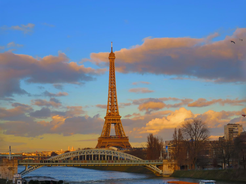 パリ市内14の美術館の所蔵品が閲覧可能