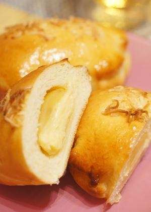 濃厚な甘さに大満足!マンゴークリームパン