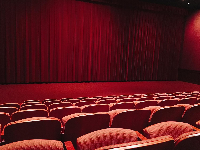 3:映画館