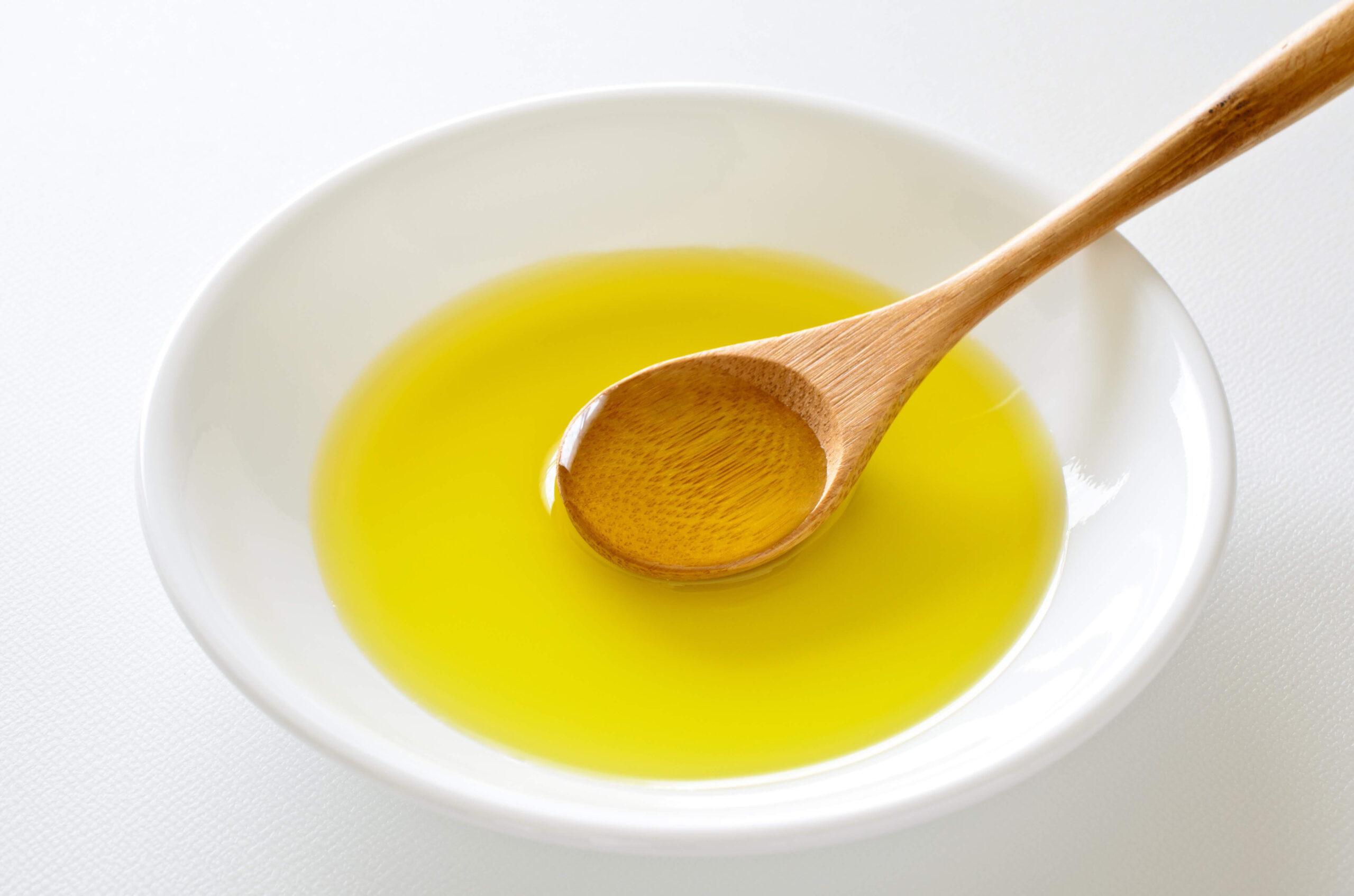 炒め物や揚げ物の油の量