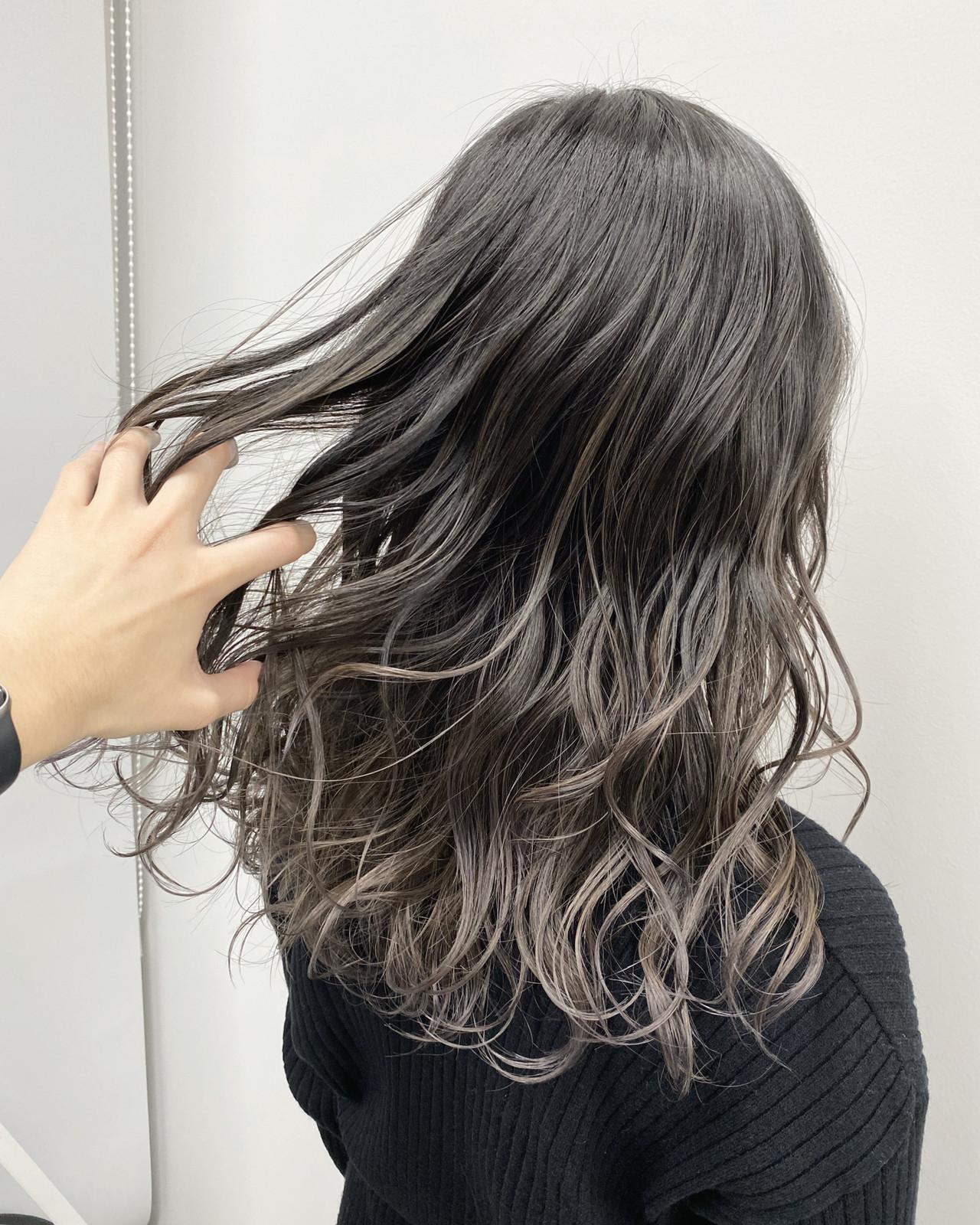 思い切って髪色を変えてみるのもgood