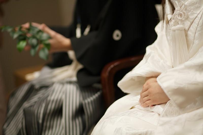 神社で古き良き結婚式