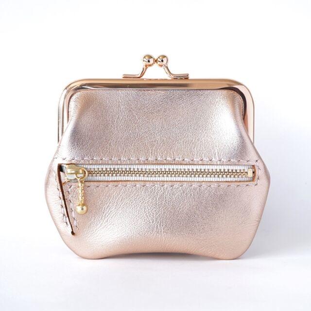 キラッとメタリックのレザー財布