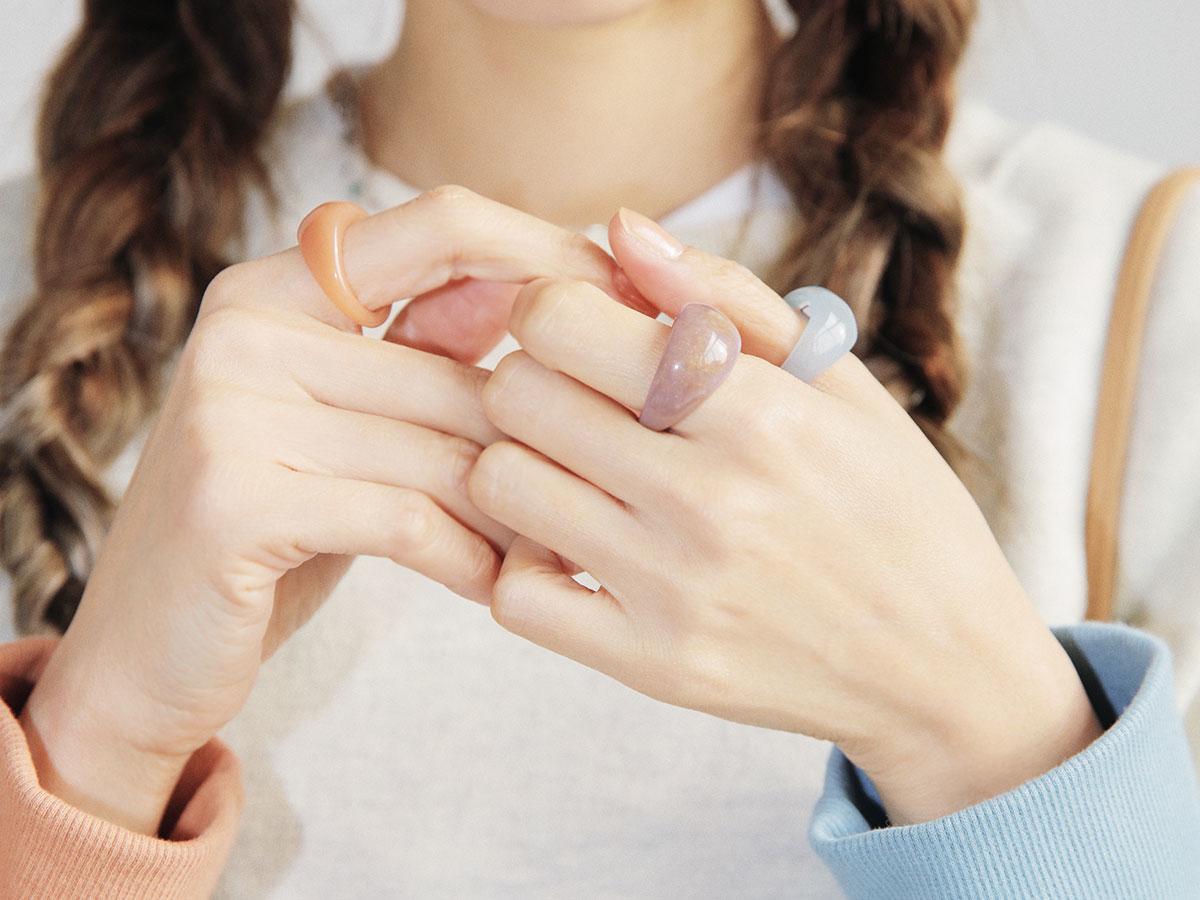 +♡:ネイルオイルを塗って指先まで綺麗に