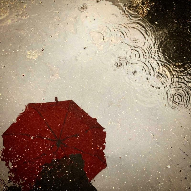 雨の日の就活って悩み事が多い…