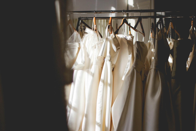 新婦と被る白いドレスは×